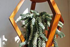 Macetero colgante de madera Khamka