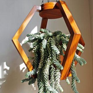 Macetero de madera colgante Khamka