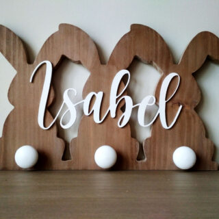 perchero infantil de madera personalizado